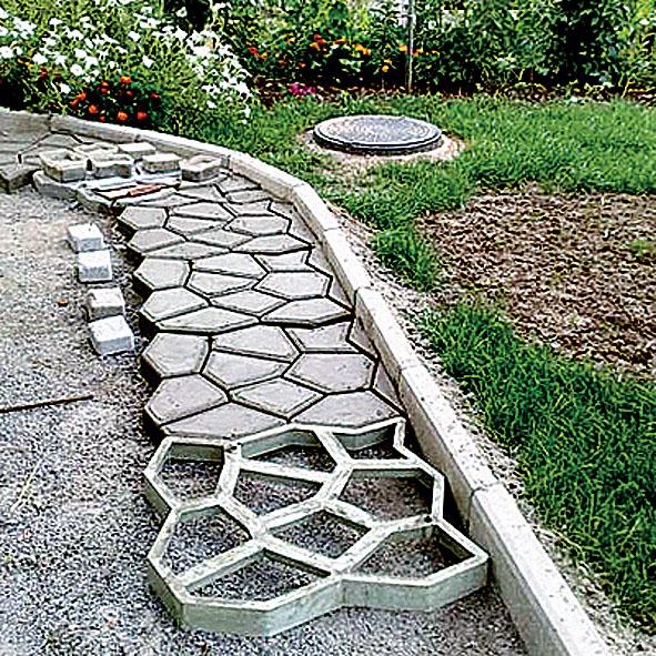 Как сделать на садовом участке дорожки
